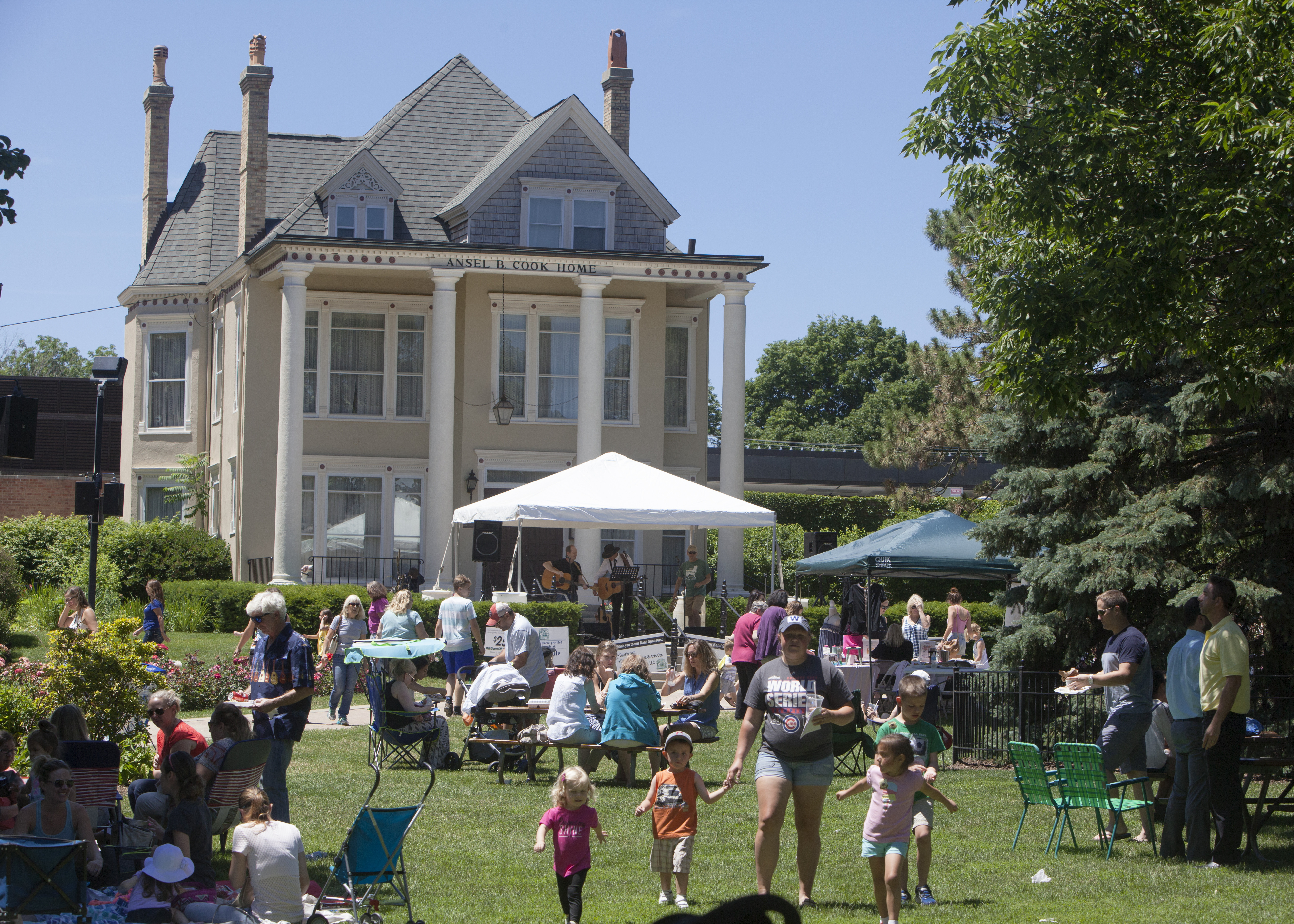 MainStreet Libertyville's Lunch in the Park