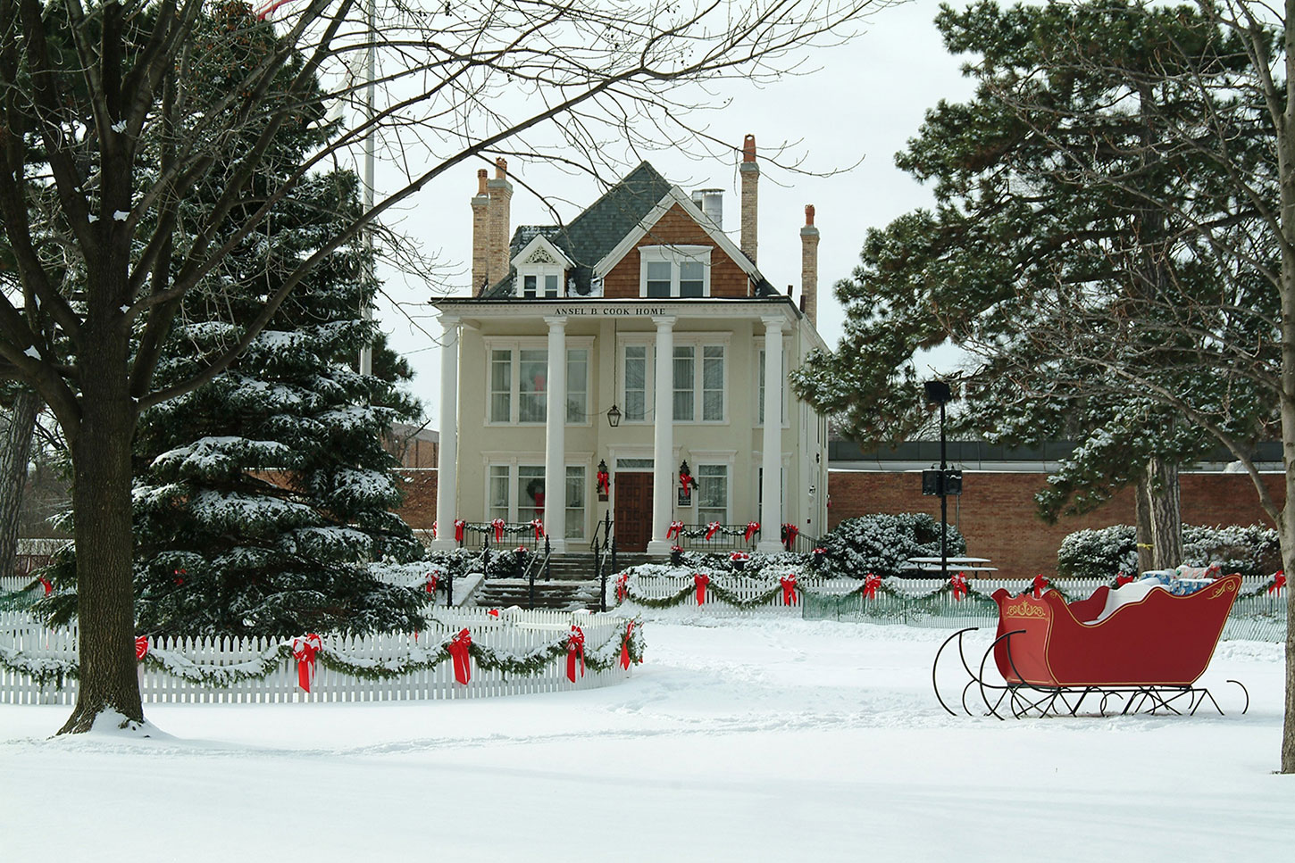 Dickens of a Holiday in Libertyville