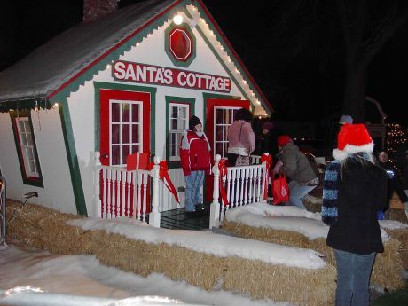 Santa's Cottage in Mundelein