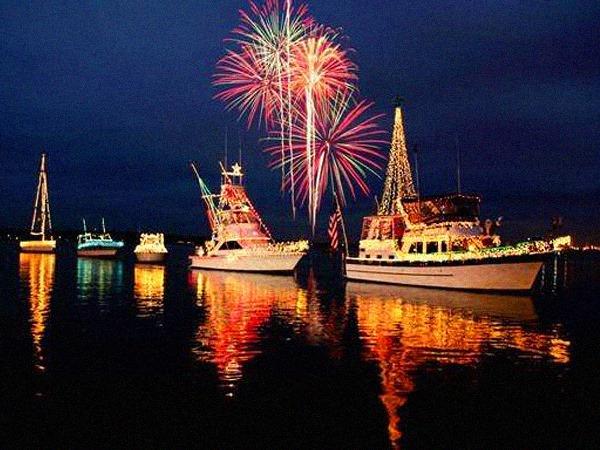 Lake County, Illinois, CVB - - Harbor Days Festival & Venetian Night