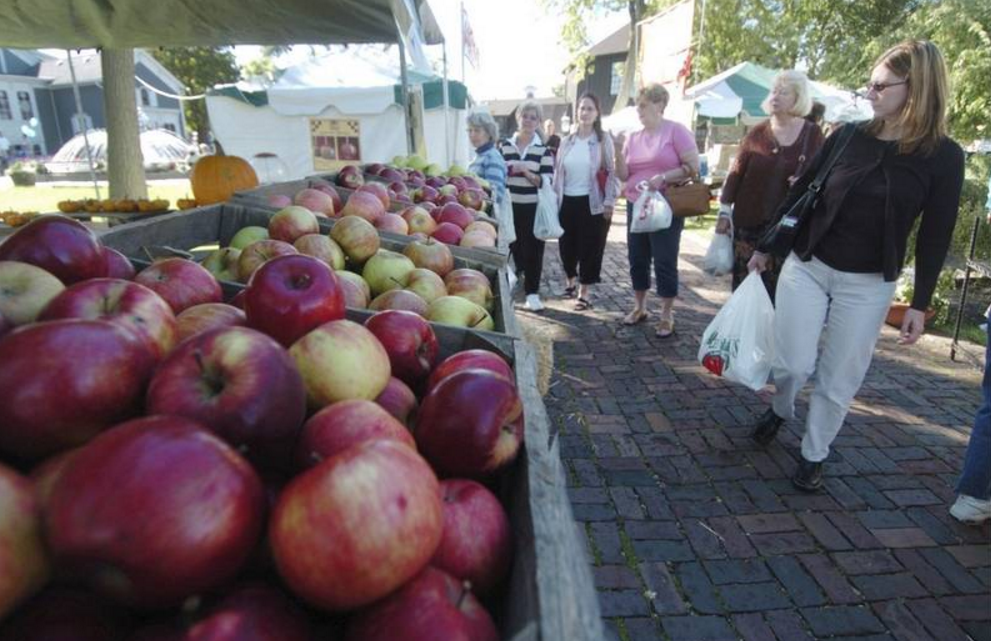 Long Grove's Apple Fest