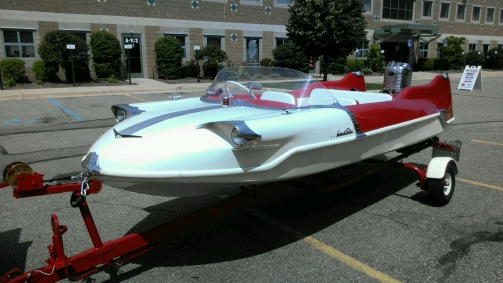 Finned Boats of the '50s at Volo Auto