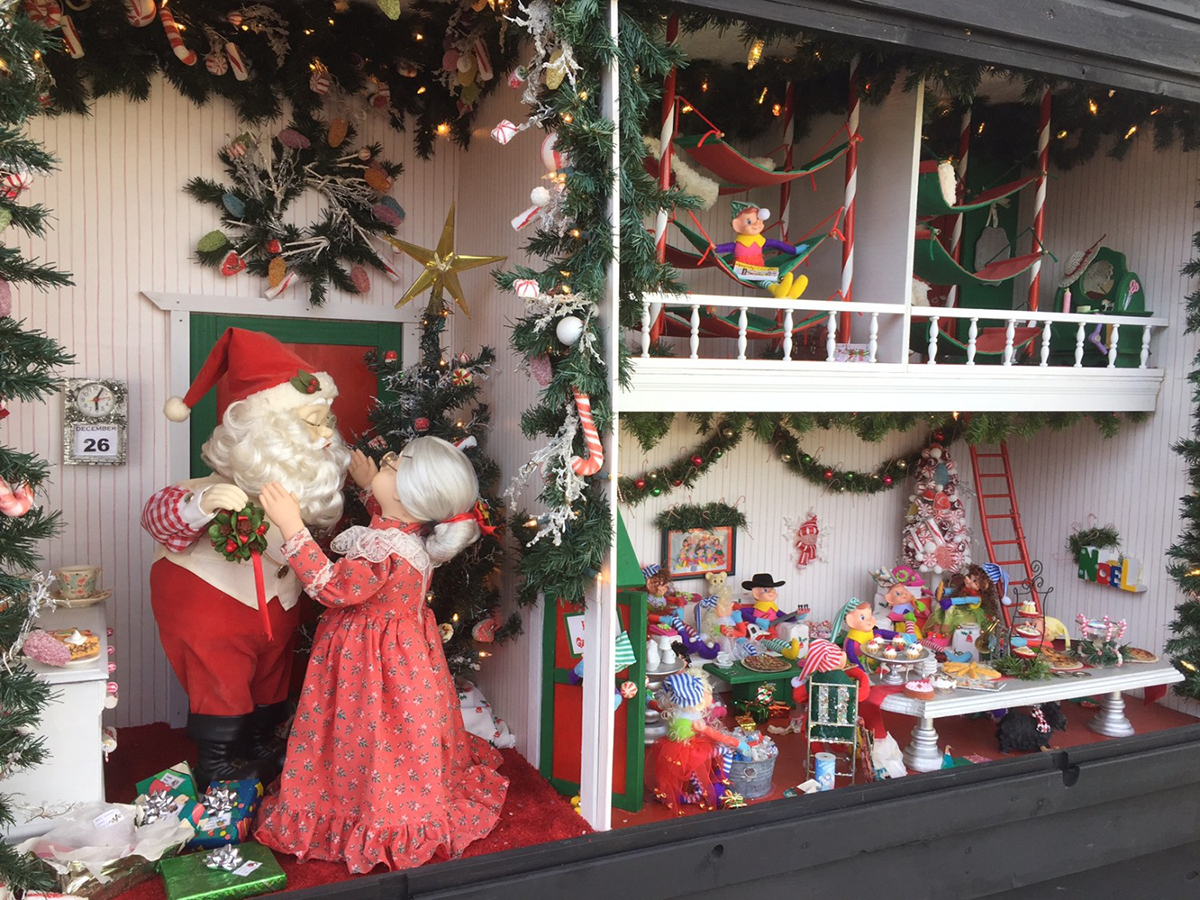 Dickens Holiday Village & Kringle's Christmas Village in Antioch