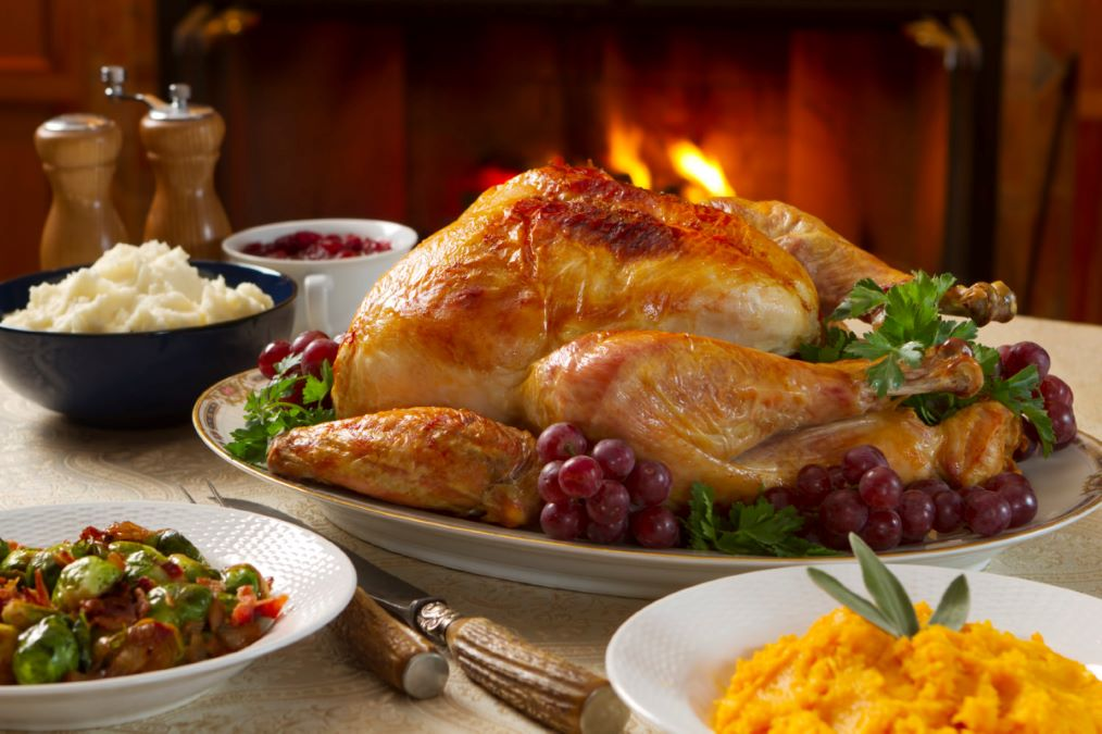 Thanksgiving Family Style Dinner at Holiday Inn Chicago North - Gurnee