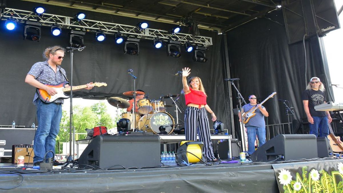 Wild Daisy performs at Zion Park District