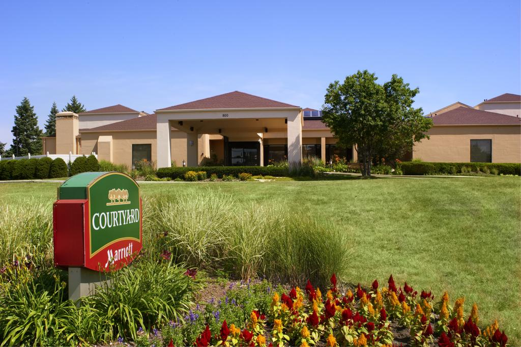 Courtyard By Marriott - Deerfield