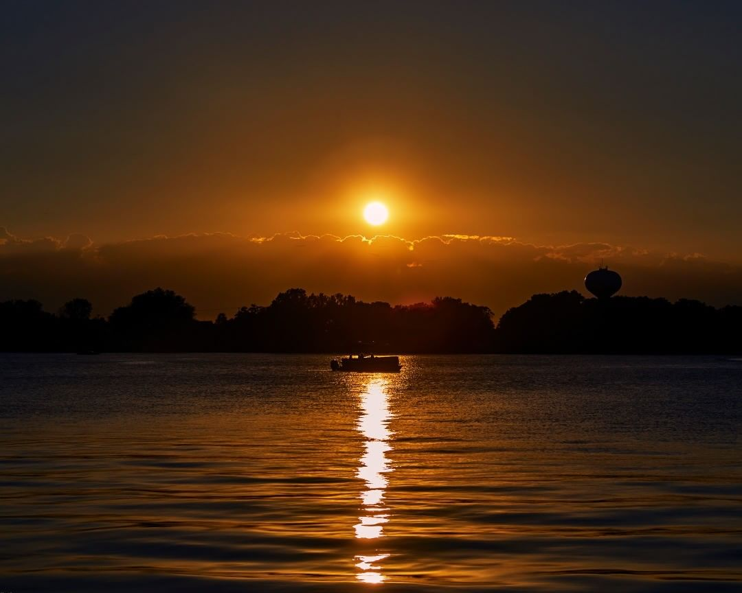 Sunset in Lake Zurich