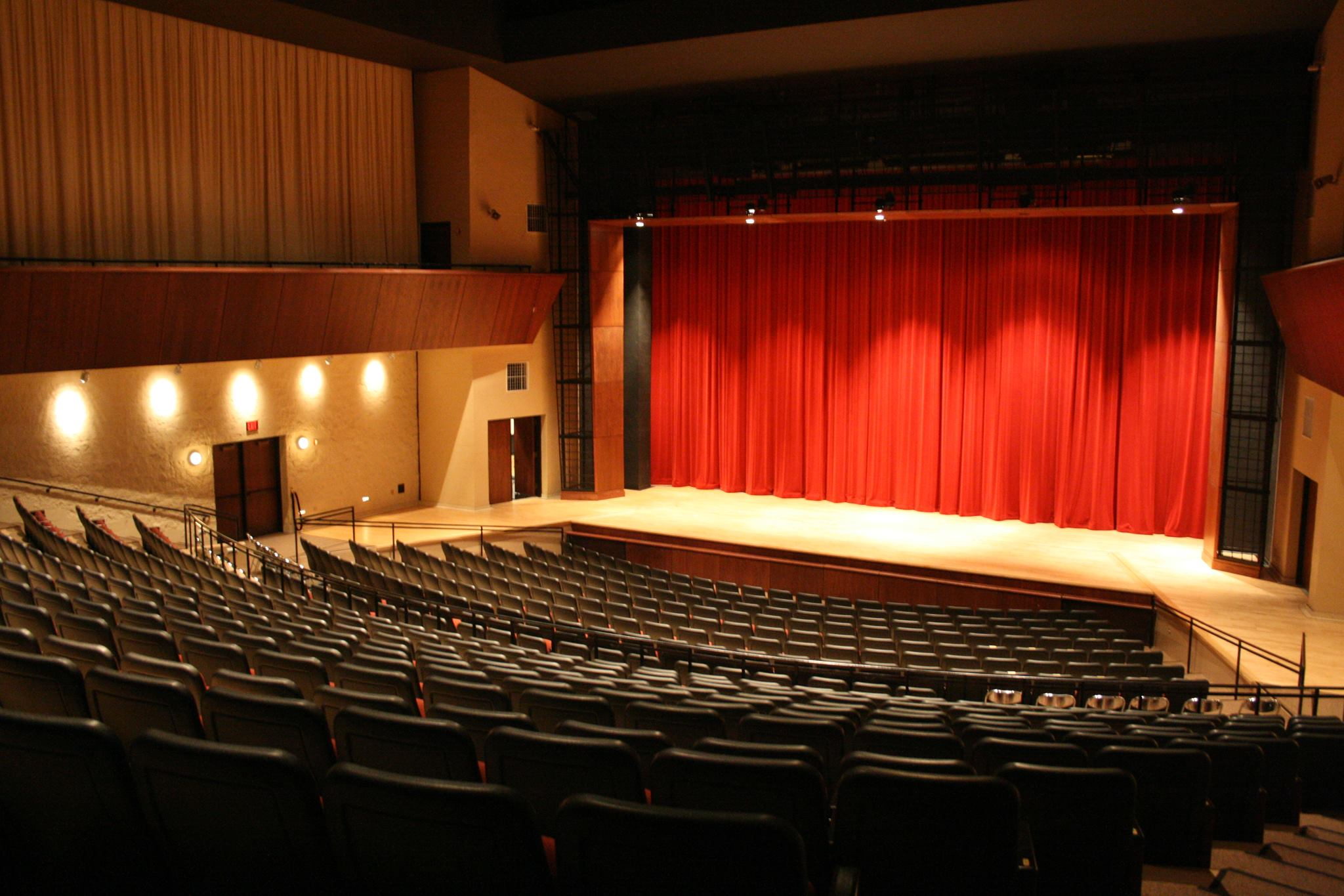 James Lumber Center for the Performing Arts at the College of Lake County