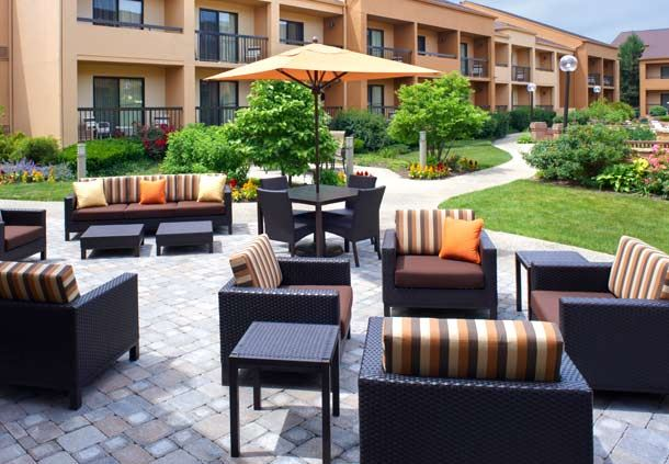 Chicago Botanic Garden Package at Courtyard by Marriott Chicago