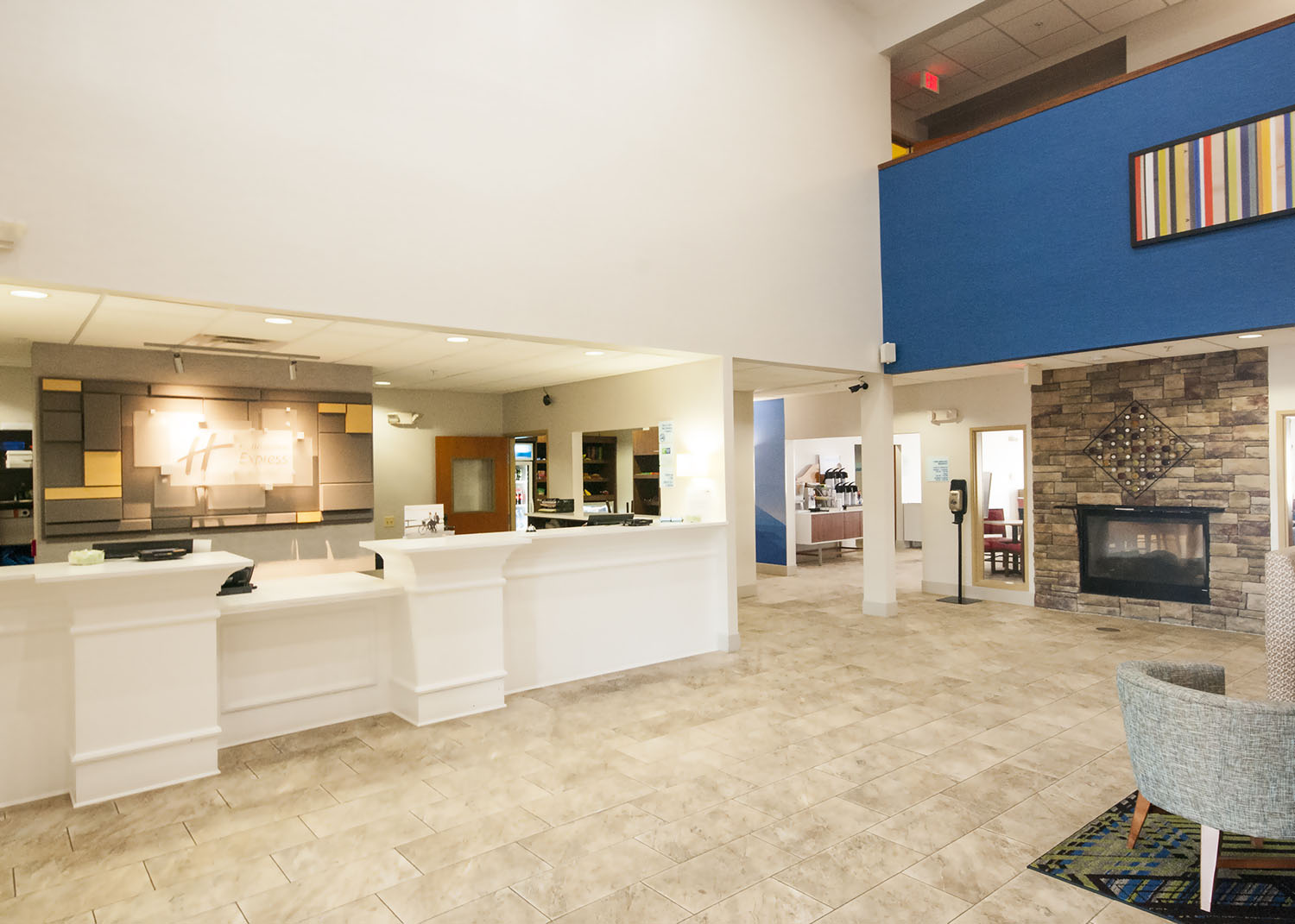Holiday Inn Express and Suites Waukegan